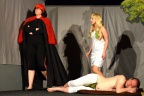 [1] V ráji - Ďábel (Iveta Lysáčková): Takhle žihadlo, ten by vyletěl ]:-)
